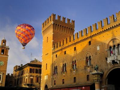 What to do in Ferrara: Floating across the sky in a hot air balloon ride?