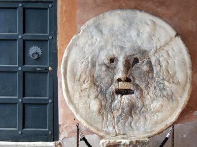 What to do in Rome: Put the hand in the Mouth of Truth