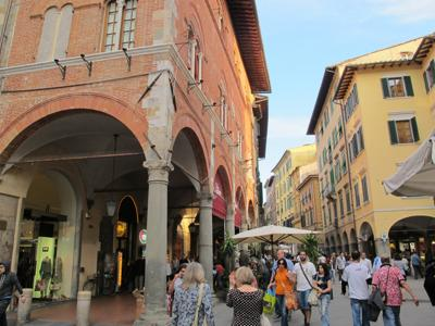 What to do in Pisa: The most local and authentic area of Pisa: Borgo Stretto
