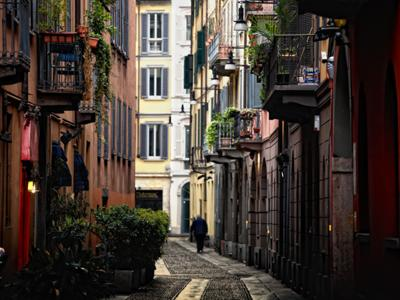 What to do in Milan: Having a stroll in Brera