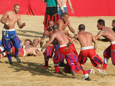 What to do in Florence: Take part in the finals of the Florentine Historic Soccer