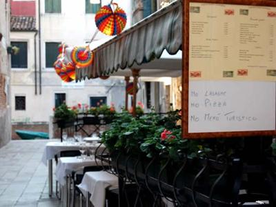 "Things to do in Venice: Have lunch in Castelletto, in the district of the ""Carampane"""