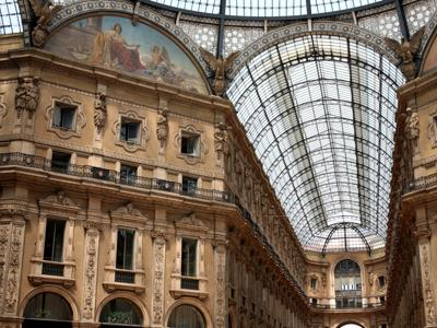 What to do in Milan: Visit the Galleria Vittorio Emanuele