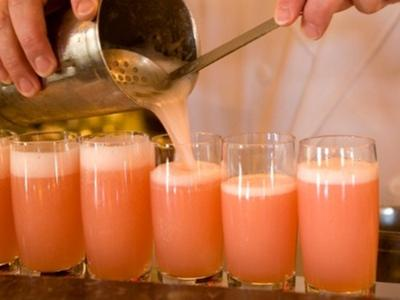 Cosa fare a Venezia: Aperitivo Bellini all'Harry's Bar