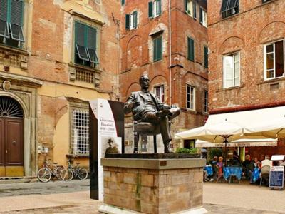 What to see in Tuscany: Lucca, the city of music