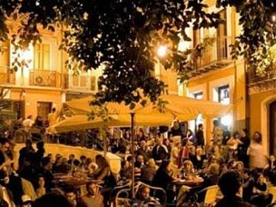 What to do in Cagliari: Enjoy Cagliari nightlife