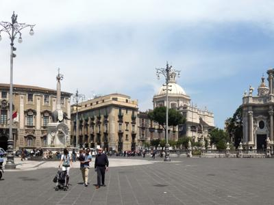 Things to see in Catania: Piazza del Duomo