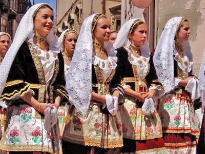 What to do in Sardinia: Take part in Saint Efisio Festival