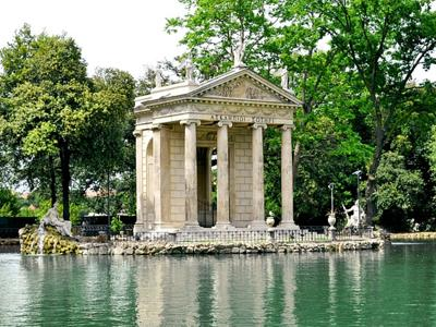 What to do in Rome: Walk in Villa Borghese and visit the gallery