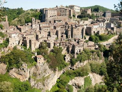 What to see in Tuscany: Sorano, the Tuscan Matera